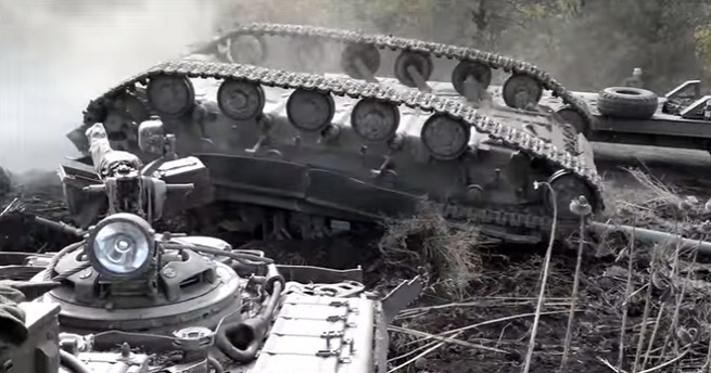 """Украинские танкисты показали """"мастер-класс"""" погрузки танка"""
